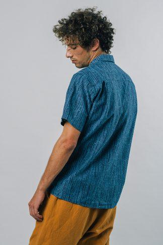 Blaues legeres fairfashion Hawaii-Hemd in Blau mit leichter Straffur in dunkelblau
